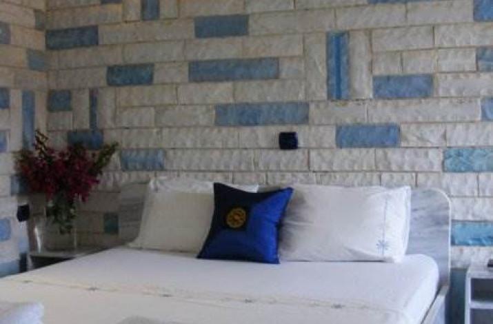 Paco's Resort, Gaios