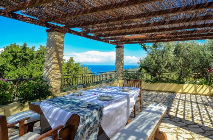 Bella Vista Villas & Suites, Gaios