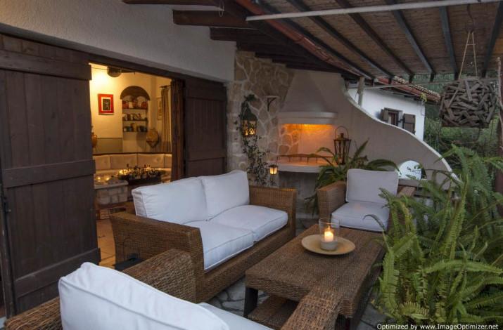 Tritonia Villa, Gaios