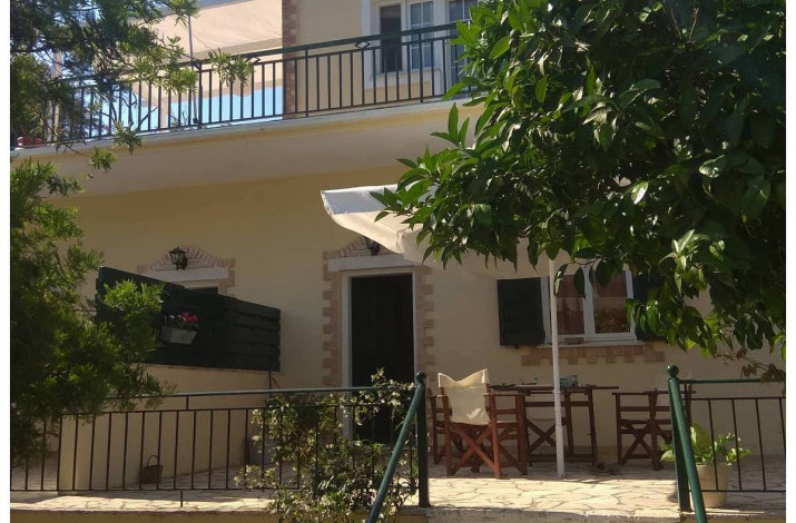 Levadi Apartments, Loggos