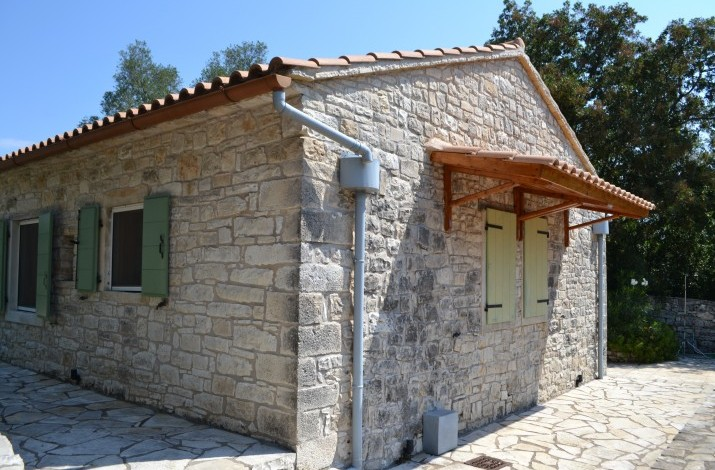 Monolitharo, Fontana